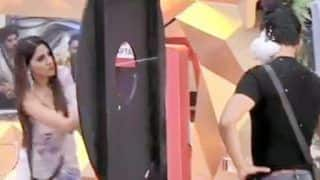 Bigg Boss 14 Somvaar Ka Vaar: Nikki Tamboli Furiously Sprays Foam on Abhinav Shukla's Face, Says 'You Deserve It'