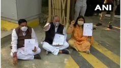 मुख्यमंत्री अरविंद केजरीवाल के आवास के बाहर धरने पर बैठे दिल्ली के तीनों महापौर, जानें क्या है वजह...