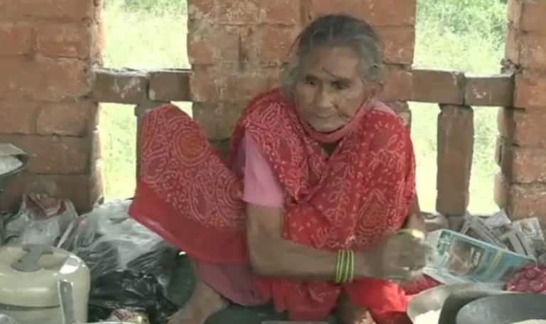 The Internet Helped 'Baba ka Dhaba' & Now Agra's 'Rotiwali Amma' Awaits Similar Support