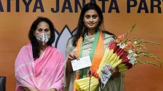 Commonwealth Gold Medalist Shooter Shreyasi Singh Joins BJP, Likely to Contest Bihar Polls