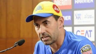 IPL 2020, CSK vs SRH: Stephen Fleming Loses Cool Over Criticism of MS Dhoni Batting Position, Defends Move to Send Kedar Jadhav Ahead Chennai Super Kings Captain