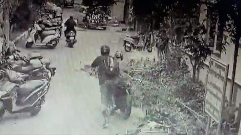 Watch: In Bollywood Style, Chennai Cop Chases & Catches Bike-Borne Phone Snatcher; Wins Praise