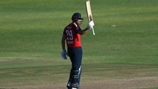 SA vs ENG 2020, 2nd T20I Match Report: Dawid Malan's Fifty Guides England to Four-Wicket Win vs South Africa; Visitors Take Unassailable 2-0 Lead