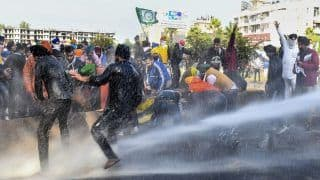 Delhi Chalo: Defying Barricades, Water Cannons, Farmers Push Through Haryana; Security Beefed Up at Border Crossings | Key Points