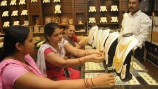 Gold Price Today, 19 February 2021: No Change in Gold Rates as Per National Trend, Silver Declines | Check Rates of 22k & 24k Gold in Delhi, Mumbai, Kolkata, Bengaluru