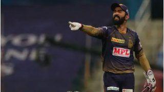 IPL 2021: Dinesh Karthik Reprimanded For Breaching IPL Code of Conduct During Qualifier 2 in Sharjah During DC vs KKR