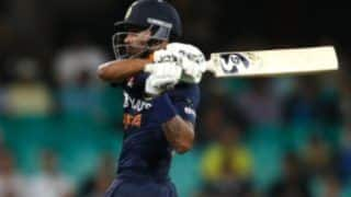 India vs Australia 2020 ODI Series: Gautam Gambhir Feels Vijay Shankar Cannot Match Hardik Pandya's Impact While Batting at No. 5 or 6 For Team India