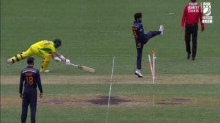 2nd ODI: Shreyas Iyer's Direct Hit to Runout David Warner During India-Australia at SCG | WATCH