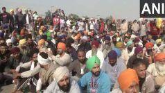 Farmers Protest Update: दिल्ली आने वाले रास्ते बंद, सिंघू और टिकरी बॉर्डर छोड़ने को तैयार नहीं किसान