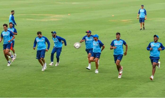 India vs Australia: ऑस्ट्रेलिया दौरे पर लिमिटेड ओवर्स की सीरीज में बदली हुई जर्सी में नजर आएगी कोहली एंड कंपनी!