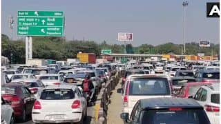 Farmers Protest: Heavy Traffic Congestion at Delhi-Gurugram Border As Police Check Vehicles