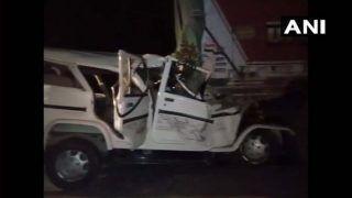 UP: बारातियों से भरी स्कॉर्पियो ट्रक में जा घुसी, गैस कटर से काटकर निकाली गईं 14 लाशें, मचा कोहराम