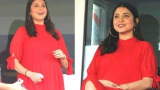 Anushka Sharma Glows in Red as She Cheers For Virat Kohli During RCB's Last Match in IPL 2020