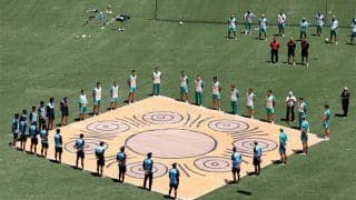 India vs Australia 2020, 1st ODI: Cricketers Take Part in Barefoot Circle as a Powerful Gesture Against Racism | Watch Video