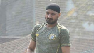 Harbhajan singh blaims poor fielding for team indias defeat in sydney odi against australia 4229592