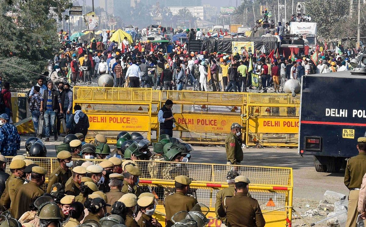 Farmers Protest: 2 IPS Officers Deputed at Singhu Border Test Positive For  COVID-19