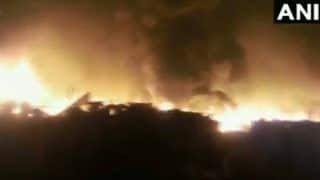 गाजियाबाद के स्लम इलाके में लगी भयंकर आग, 15 दमकल मशीनें आग बुझाने में जुटीं