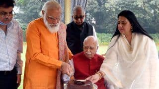 PM Modi Visits LK Advani on His 93rd Birthday, Calls Him a 'Living Inspiration' to BJP Workers and Countrymen