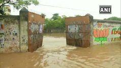 Cyclone Nivar Updates: 'निवार' ने रातभर तमिलनाडु-पुडुचेरी में मचाई भीषण तबाही, आंधी-बारिश जारी