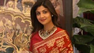 Karwa Chauth 2020: Shilpa Shetty Kundra Looks Resplendent in a Maroon Silk Saree Worth Rs 15000, Leaves Her Fans Drooling Over Her Karwa Chauth Pictures