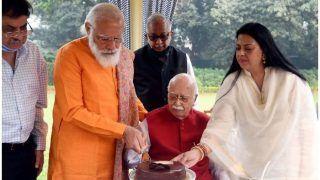 93 साल के हुए आडवाणी, PM मोदी ने घर जाकर दी जन्मदिन की शुभकामनाएं- केक भी काटकर खिलाया