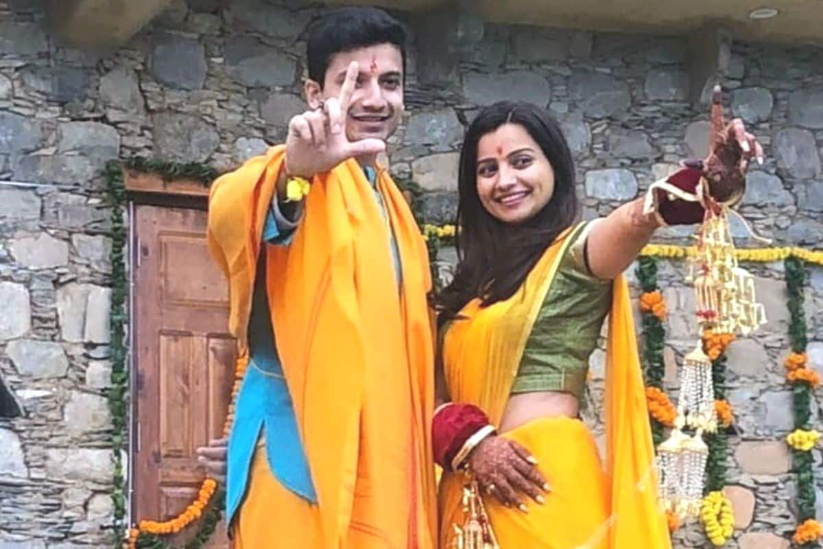 priyanshu painyuli vandana joshi haldi mehendi pics main mirzapur 2 actor gets married