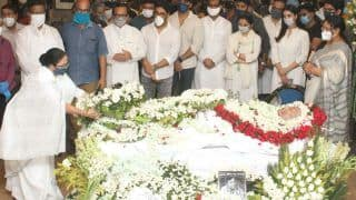 Soumitra Chatterjee Last Rites Performed With Gun Salute; Mamata Banerjee, Celebs Attend