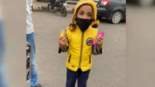 4-Year-Old Kid Distributes Biscuits, Bananas to Protesting Farmers at Delhi-Ghazipur Border; Wins Hearts