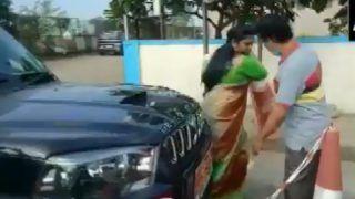 Andhra Pradesh Latest News: महिला नेत्री D Revathi  ने Toll Plaza कर्मचारी के गाल पर मारा थप्पड़, देखें ये Video