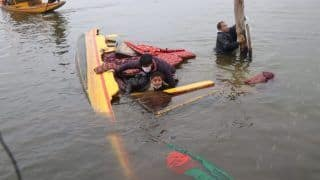 Shikara Carrying BJP Workers, Mediapersons Capsizes in Dal Lake During J&K DDC Poll Campaign