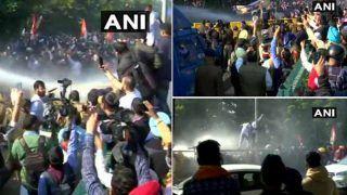 मुख्यमंत्री खट्टर-रामदेव की चल रही थी मीटिंग, CM आवास का घेराव रहे यूथ कांग्रेस कार्यकर्ताओं पर पुलिस ने चलाई वाटर कैनन
