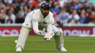 'अगामी टेस्ट मैचों में ऋद्धिमान साहा की जगह रिषभ पंत को मौका दे सकती है टीम इंडिया'
