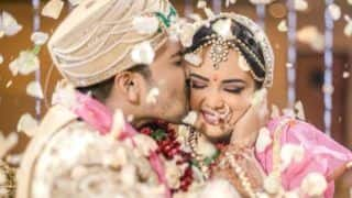 Aditya Narayan Kisses Wife Shweta Agarwal in New Picture From The Wedding - Check Pics And Videos From Reception