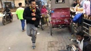 Incredible! Dancer from Arunachal Performs by a Roadside to Raise Money for Street Musicians