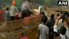 Farmers Protest Latest News: Delhi-UP Border पर अड़े किसान ट्रैक्टर से हटा रहे बैरिकेड्स, देखें वीडियो