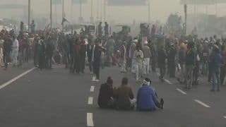 Farmers Block Delhi-Meerut Expressway With Tractors as Protest Intensifies at Ghazipur Border