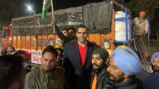 'Jai Jawan, Jai Kisan': The Great Khali Joins Farmers' Protest at Tikri Border, Says 'Govt Has Messed With Wrong People' | Watch