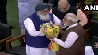 Bharat Bandh के बीच PM मोदी ने पंजाब के पूर्व CM बादल से फोन पर की बात, दीं शुभकामानाएं