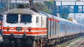 16 Trains Delayed Due to Low Visibility in Northern Railway Region | Full List