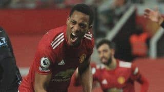 Manchester United 2-1 Aston Villa: Bruno Fernandes, Anthony Martial Goals Take Red Devils Level on Points With Premier League Leaders Liverpool