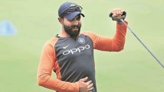 India vs Australia 2021: Ravindra Jadeja Suffers Injury Blow by Mitchell Starc Bouncer in Sydney, Mayank Agarwal Takes Field in Place of India All-rounder