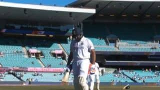 ब्रिसबेन टेस्ट में रोहित शर्मा लंगड़ाकर चलते हुए आए नजर, भारत के लिए बजी खतरे की घंटी