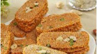 Til Gajak Recipe In Hindi: मकर संक्रांति के मौके पर घर पर बनाएं तिल की गजक, यहां जानें रेसिपी