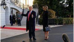 Melania Trump 65 Lakh Bag: 65 लाख का बैग लेकर व्हाइट हाउस से मेलानिया ट्रंप ने ली विदाई, गजब का था स्टाइल