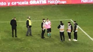 Lionel Messi Poses With Ball-Boys After Rayo Vallecano Clash; Wins Heart on Twitter