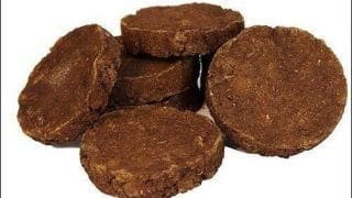 Believe It Or Not: Man Buys Cow Dung Cakes (Goitha) On Amazon & Eats It, Then Posts Review