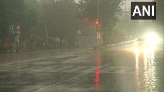 Delhi-NCR Rain Weather Update:  दिल्ली-एनसीआर में सुबह से हो रही बारिश ने बढाई ठंड, जानिए कैसा रहेगा मौसम