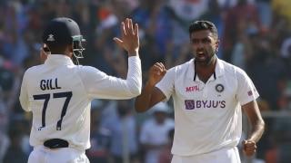 भारत के लिए सबसे ज्यादा अंतरराष्ट्रीय विकेट लेने वाले चौथे गेंदबाज बने रविचंद्रन अश्विन; जहीर खान को पीछे छोड़ा