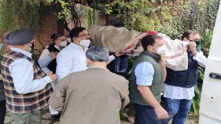 पूर्व केंद्रीय मंत्री Captain Satish Sharma का दिल्ली में हुआ अंतिम संस्कार, राहुल गांधी ने भी अर्थी को दिया कंधा