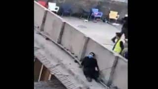 Pakistan Ka Chor Viral: पाकिस्तानी पुलिस ढूंढ़ती रही, दीवार के पीछे छिपा रहा चोर, देखें मजेदार Video